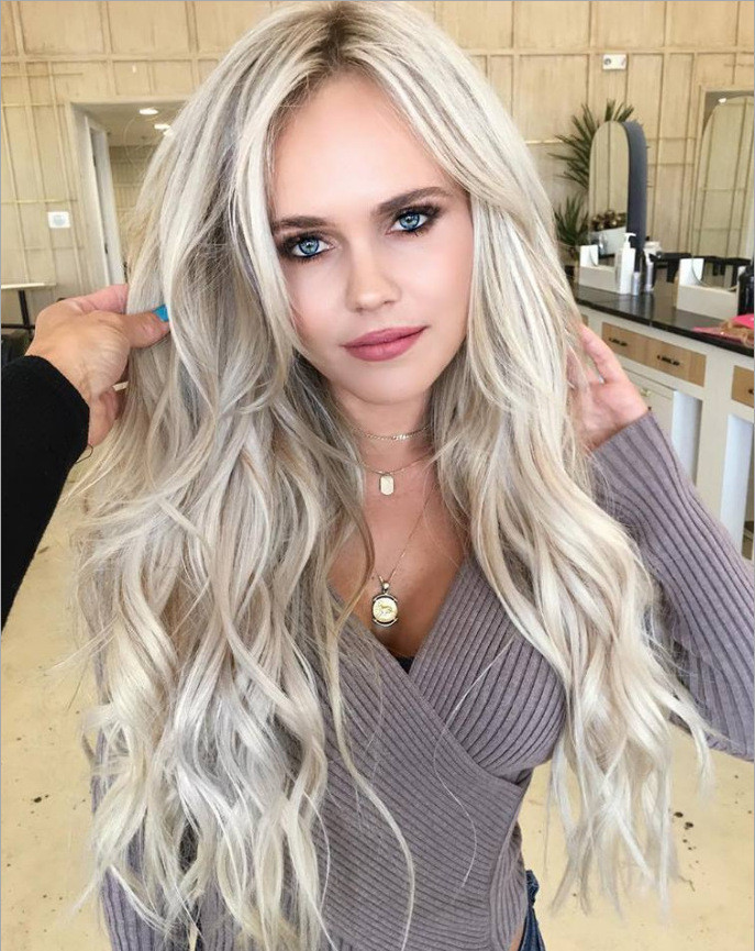 "22"" Long Wavy Blonde Beautiful Synthetic Lace Wigs"