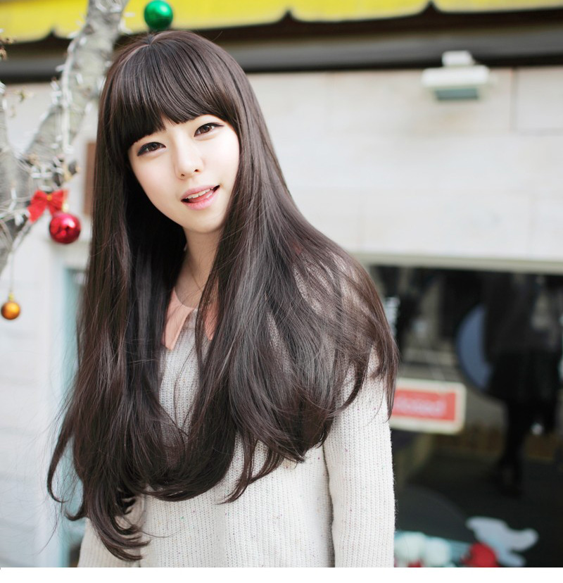 Korean wig with long straight hair in bangs slightly natural lifelike